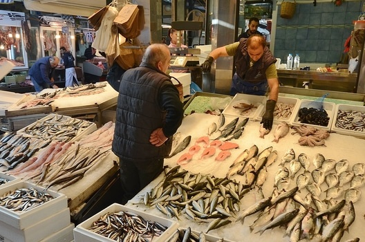 people-fish-market-marketplace-medium