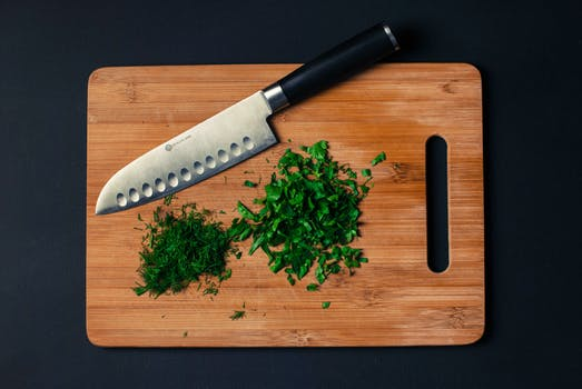 food-vegetables-wood-knife